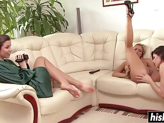 Lesbian Raunchy Babes Get To Please Each Other