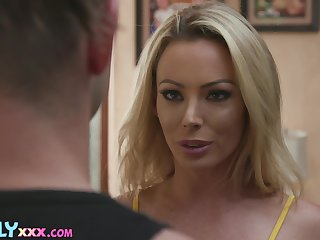 Lucky man will be pounding that hot MILF after spying on her