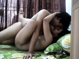 Desi indian finging her fucking pussy for cam at