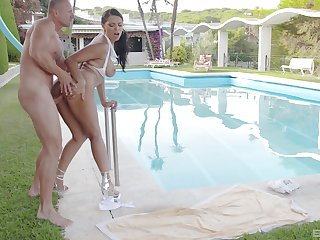 Fucked by the pool in exceptional XXX manners