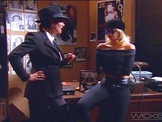 Movie parody with handsome blonde pornstar Jenna Jameson - Retro