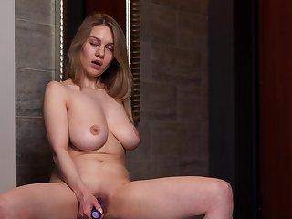 Closeup video of cute Valerie Duval pleasuring her cravings