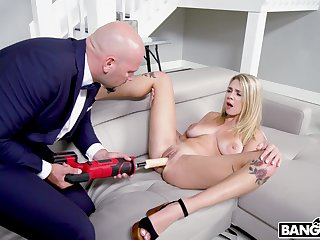 Insolent nude action for a blonde in her 20s