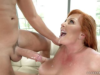 Honcho mature Tammy Jean knows how to beguile her partner