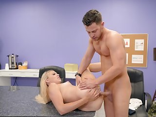 Daughter of the boss gives alluring intern the brush sweet pussy