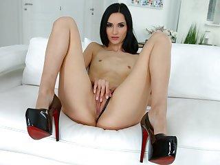 Megan Venturi tries dick down the ass in sensual XXX