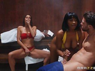 Desiree Dulce & Jenna Foxx sharing big cock in the sauna